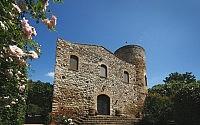001-castello-di-scerpena-tuscany-italy