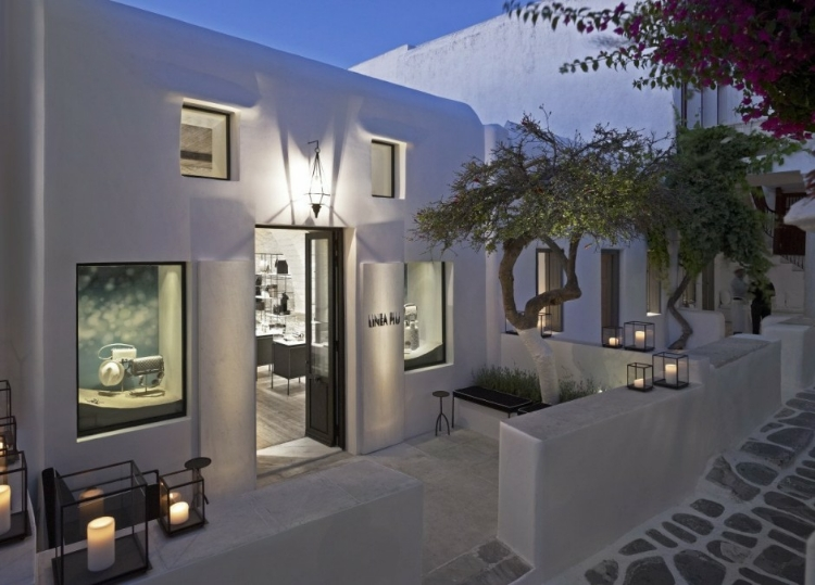 Linea Piu Boutique on the Greek island of Mykonos - 1