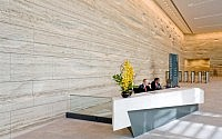 002-travertine-wall-kohn-pedersen-fox