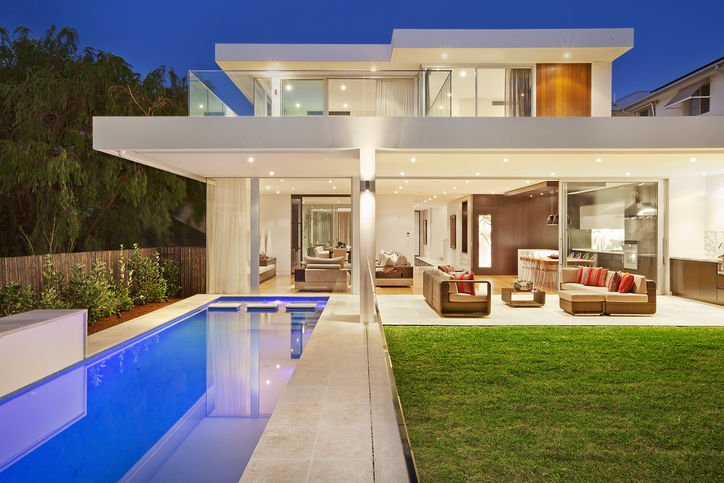 Perfect Krimotat House By MPR Design Group