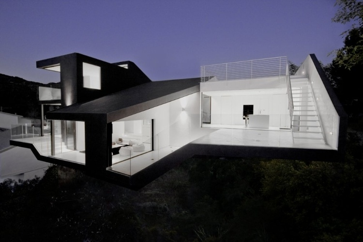 Nakahouse by XTEN Architecture