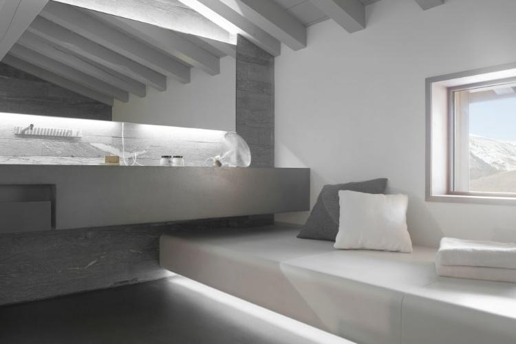 Chalet berranger by noe duchaufour lawrence homeadore for Salle de bain 8 m2