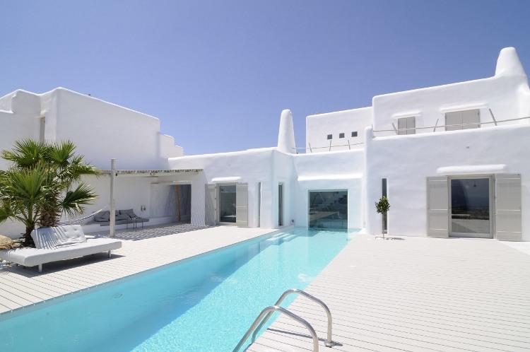 Summer house in paros by alexandros logodotis homeadore for Moderna architettura mediterranea