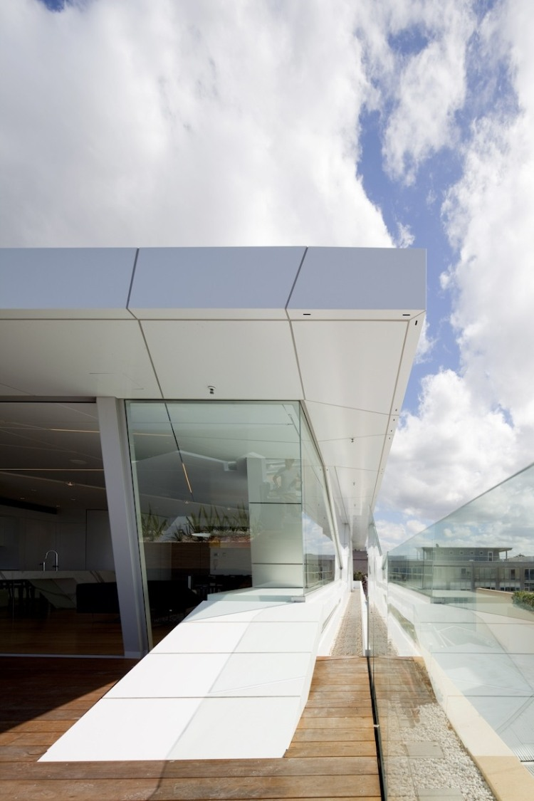 Bondi Beach Penthouse By Mpr Design Group Homeadore
