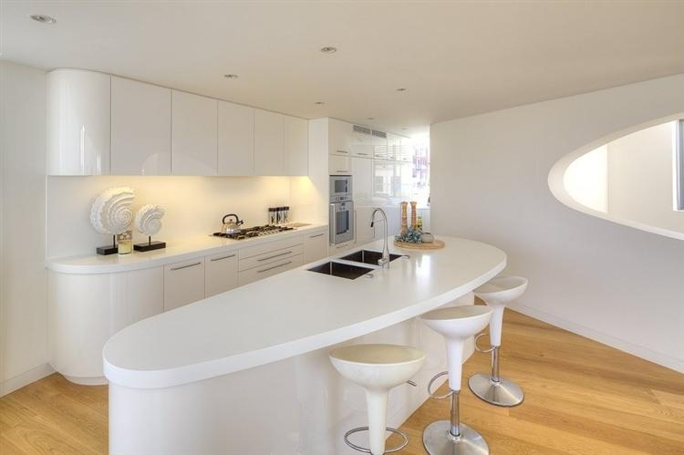 Contemporary north bondi penthouse homeadore for Cocinas ultramodernas