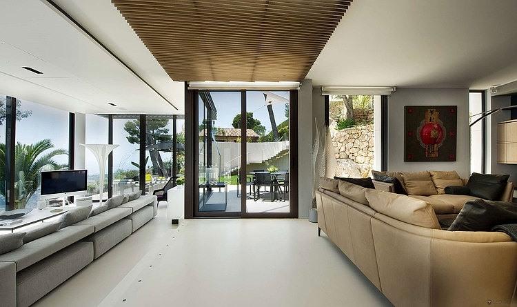Bayview Villa in Côte d\'Azur, France « HomeAdore
