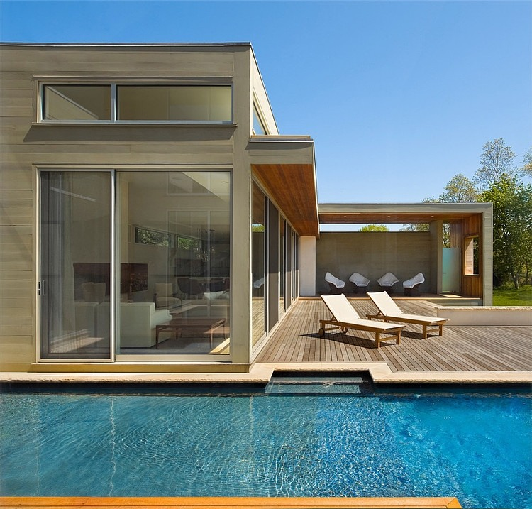 Marvelous Fieldview Residence By Blaze Makoid Architecture