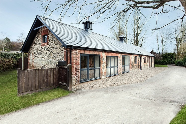 Manor House Stables by AR Design Studio Ltd HomeAdore