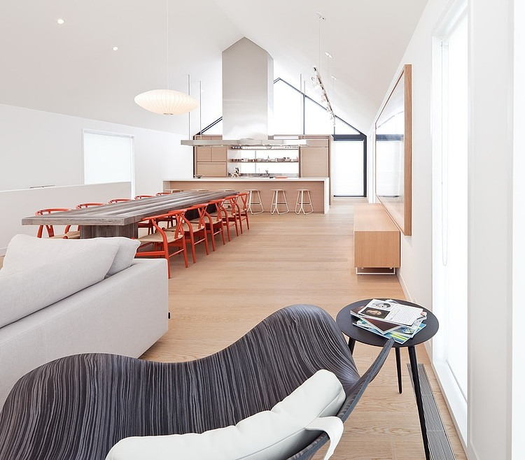 Loft maison great the kitchen except for the stools by for Glissade interieur