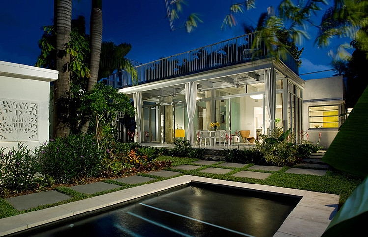 San Marino Island House by Robert Kaner Interior Design | HomeAdore