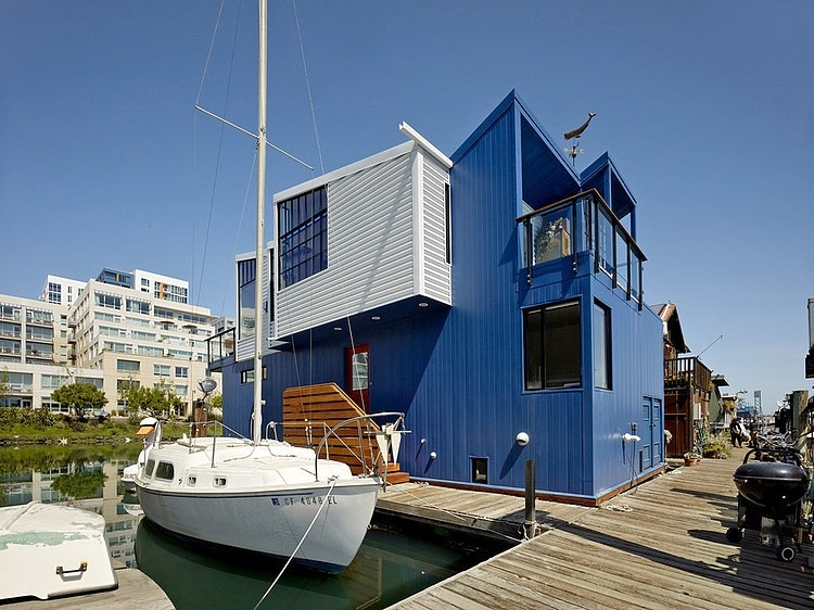 San Francisco Floating House by Robert Nebolon Architects