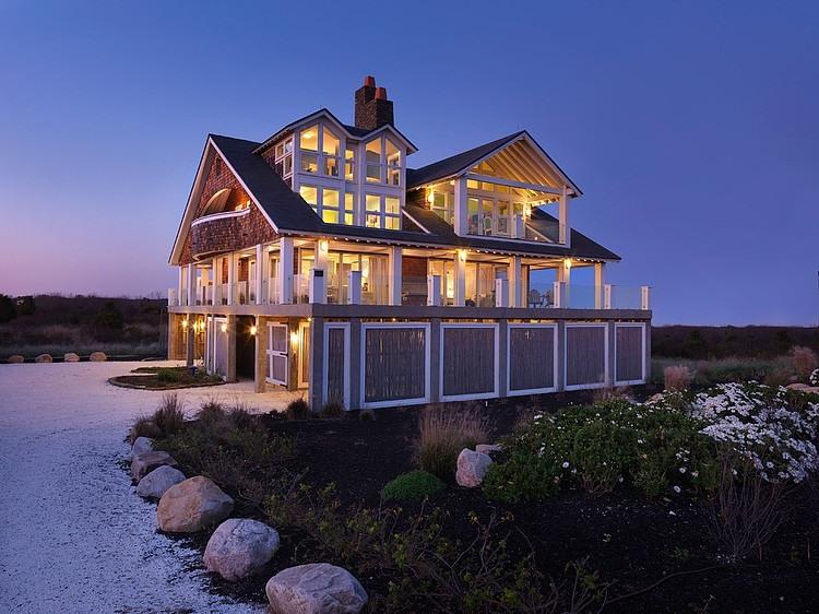 Delightful Rhode Island Cottage By Burgin Lambert Architects
