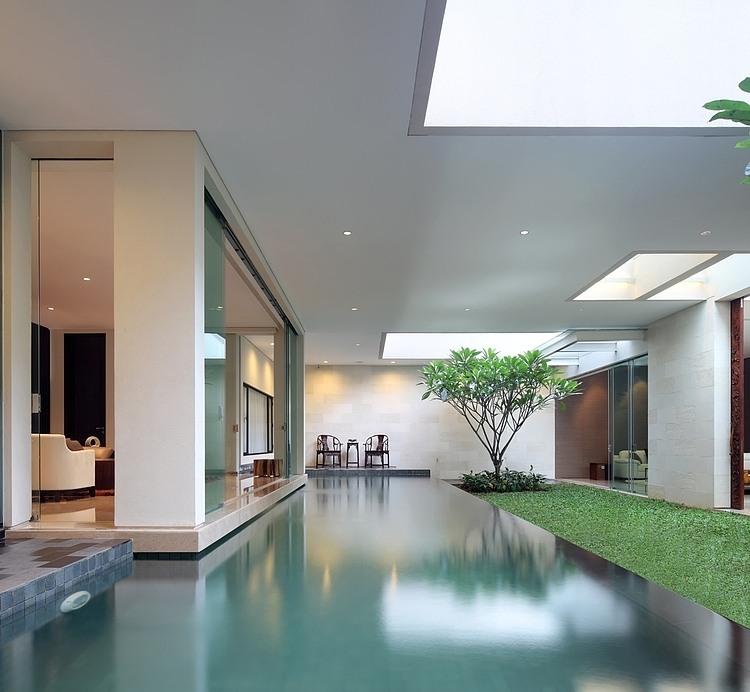 House In Jakarta By TWS  Partners HomeAdore - Modern house jakarta
