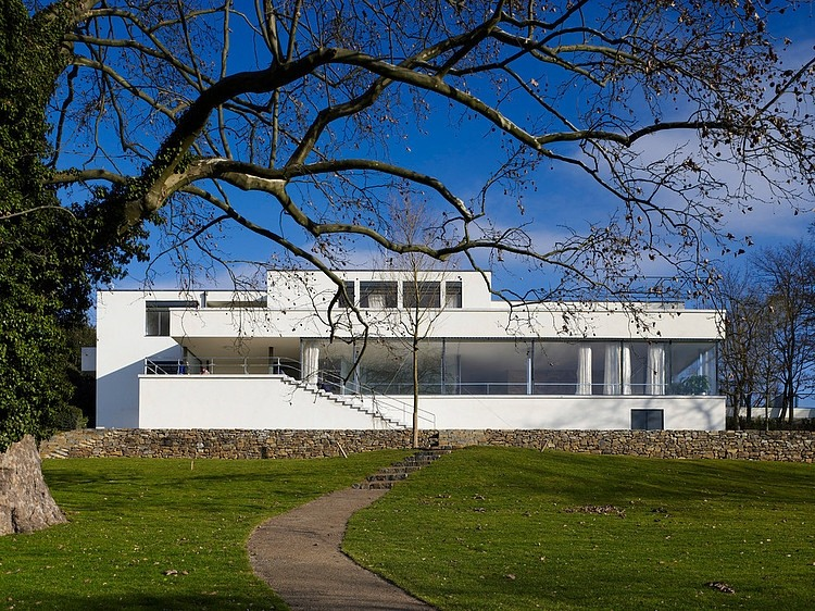 Villa Mies Der Rohe villa tugendhat by ludwig mies der rohe homeadore
