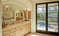 025-houston-residence-thompson-custom-homes