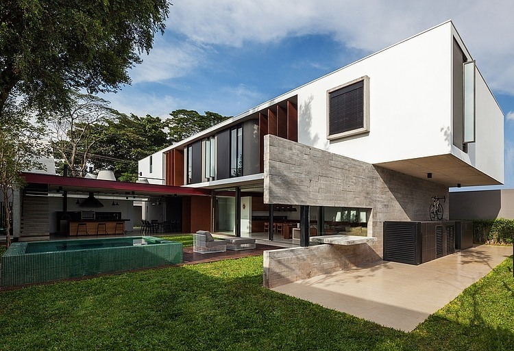 Planalto House by Fc Studio