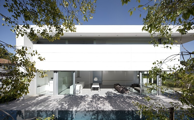 Afeka House by Pitsou Kedem Architects