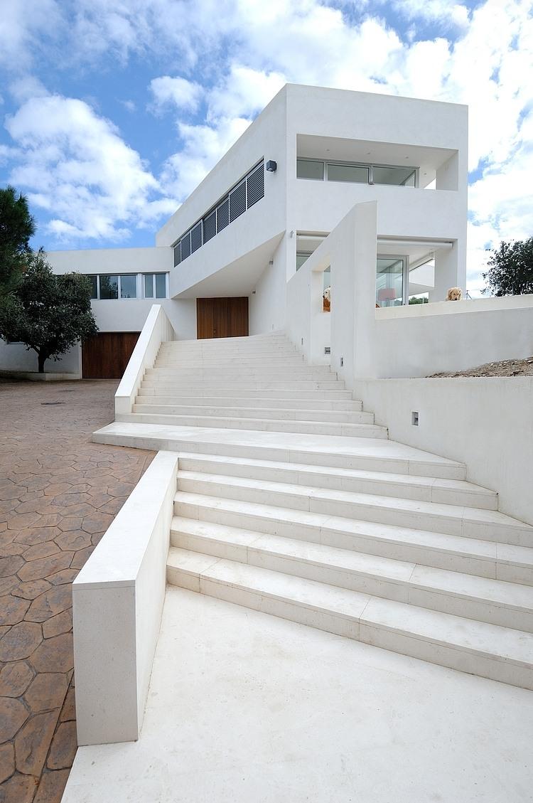 Valdemorillo House by Otto Medem Arquitectura « HomeAdore