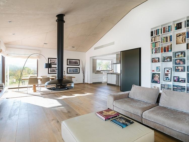 Modern Family Residence by Marga Rotger HomeAdore