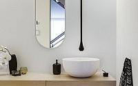walsh-bay-kbdi-small-bathroom-year-australian-bathroom-designer-2013-darren-genner-minosa-corian-walls-gessi-black-goccia-lupi-base-01