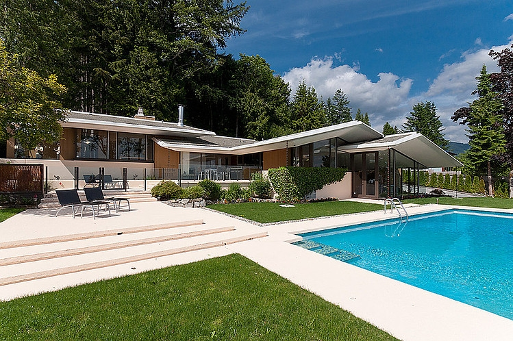 Mid century modern home by ron thom