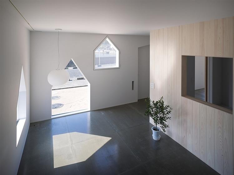 suppose design office toshiyuki. House In Jigozen By Suppose Design Office Toshiyuki