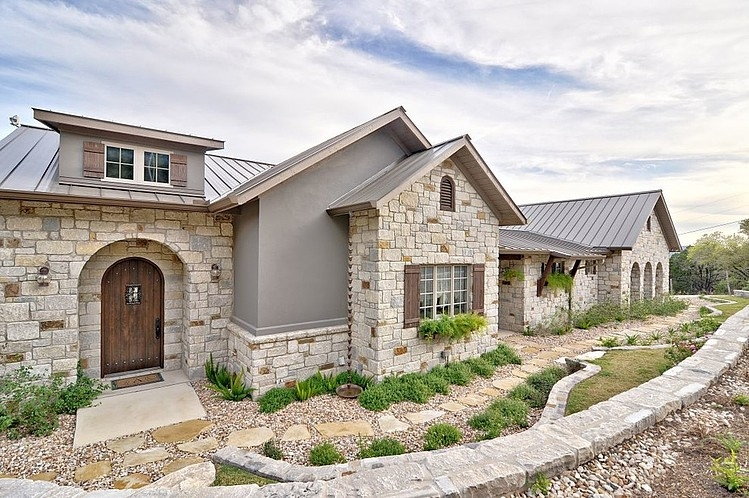 Hill country dream by schmidt custom homes homeadore for Hill country home builders