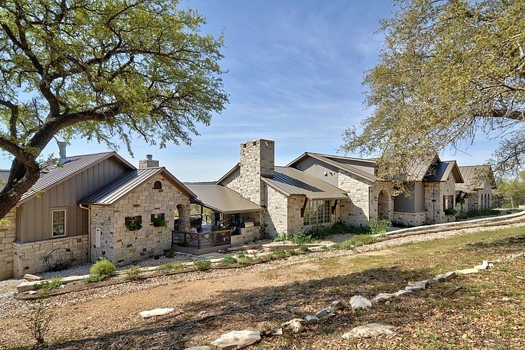Hill country dream by schmidt custom homes homeadore for Hill country stone
