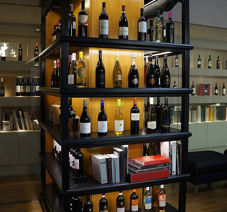 Customized Bookcase by Antica Ebanisteria Gambella