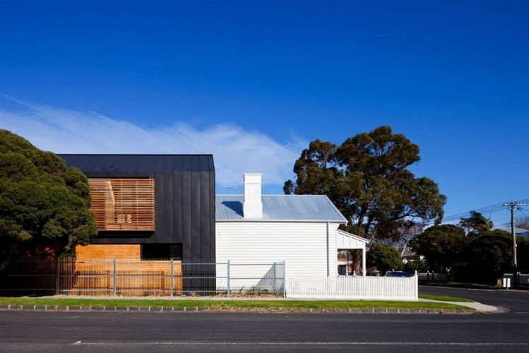 Elsternwick House by Simon Couchman