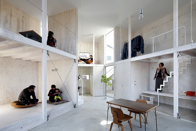 House In Kashiwa by Yamazaki Kentaro Design Workshop