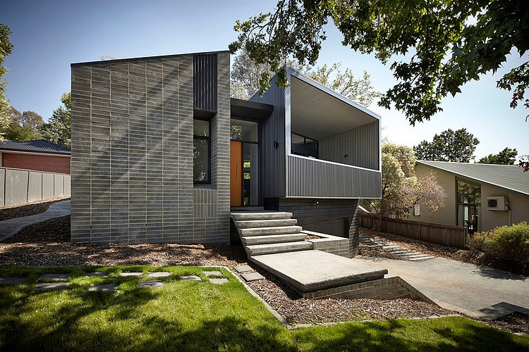 Narrabundah House by Adam Dettrick Architects