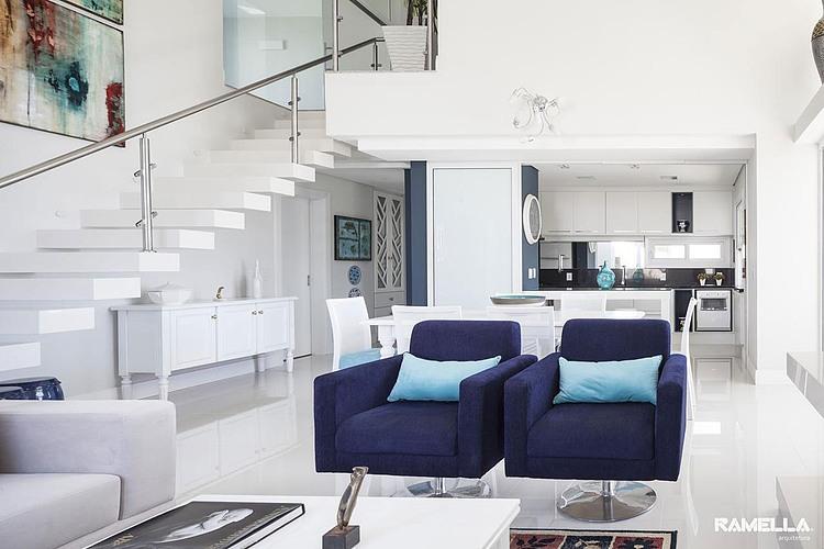 Shingle Residence by Ramella Arquitetura