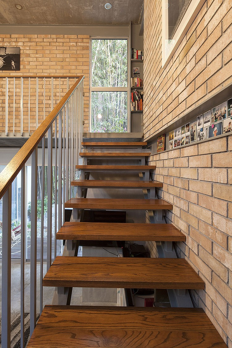 Brisas house by garza camisai arquitectos homeadore - Escalera prefabricada de hormigon ...