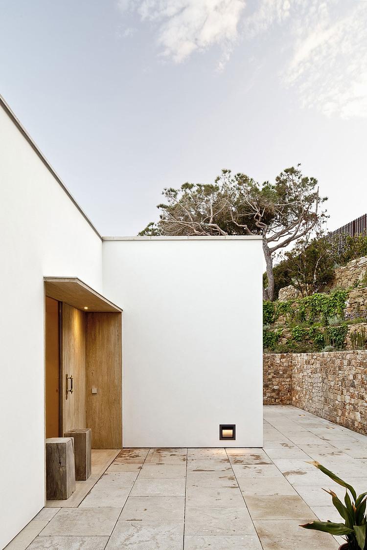 Costa Brava Residence by Garcés – De Seta – Bonet « HomeAdore