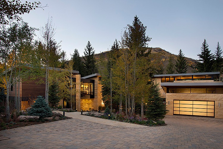Vail River House by VAG Architects and Planners