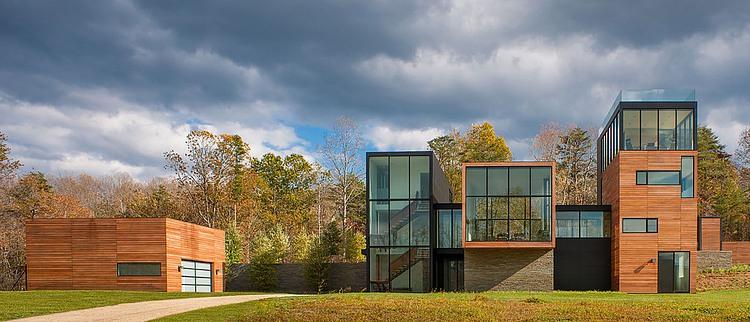 4 Springs Lane by Robert M. Gurney Architect