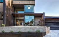 003-waterfall-house-dick-clark-associates