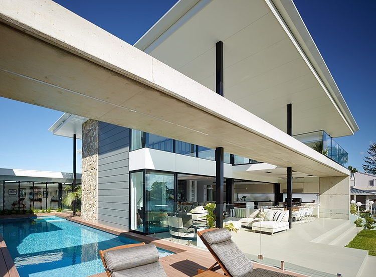 Riverfront Residence by BDA Architecture