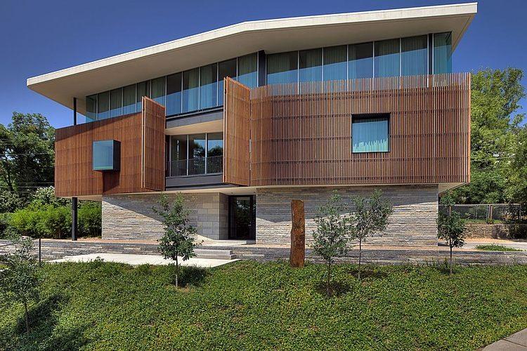 East Windsor Residence by Alterstudio