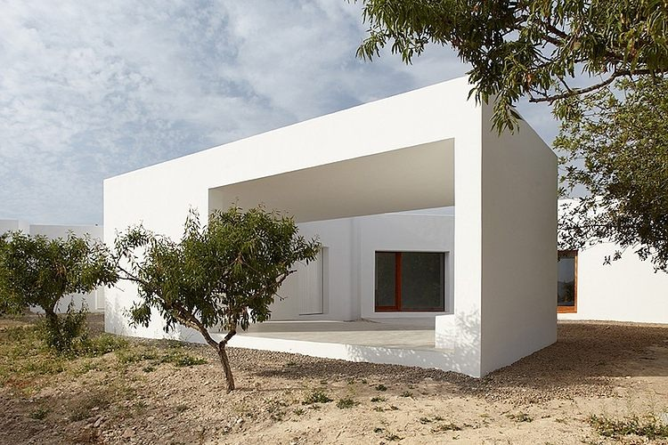 House in Ibiza by Roberto Ercilla Arquitectura