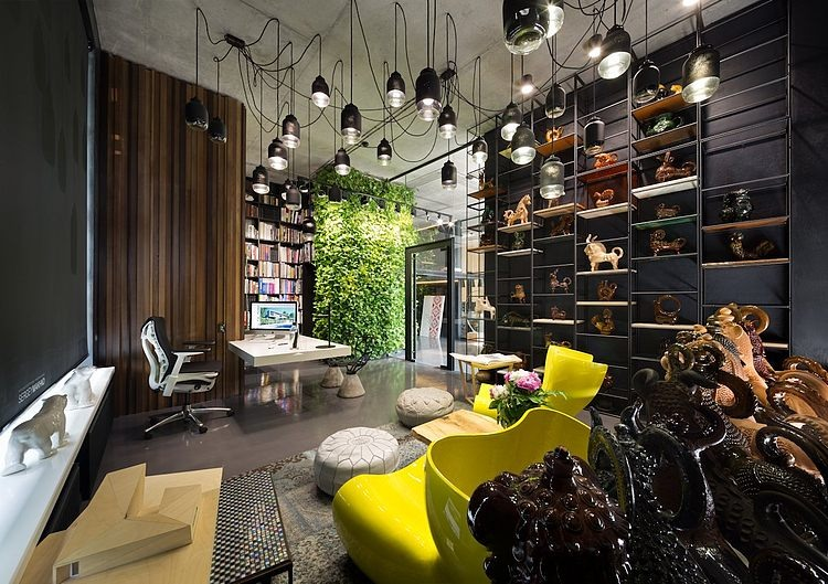 Sergey Makhno's Office and Showroom