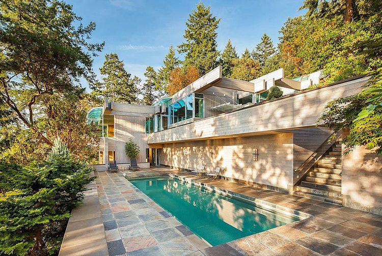 North Saanich Residence