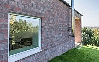 005-long-brick-house-foldes-architects