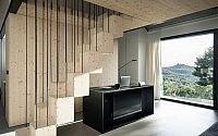 002-compact-karst-house-dekleva-gregori-arhitekti