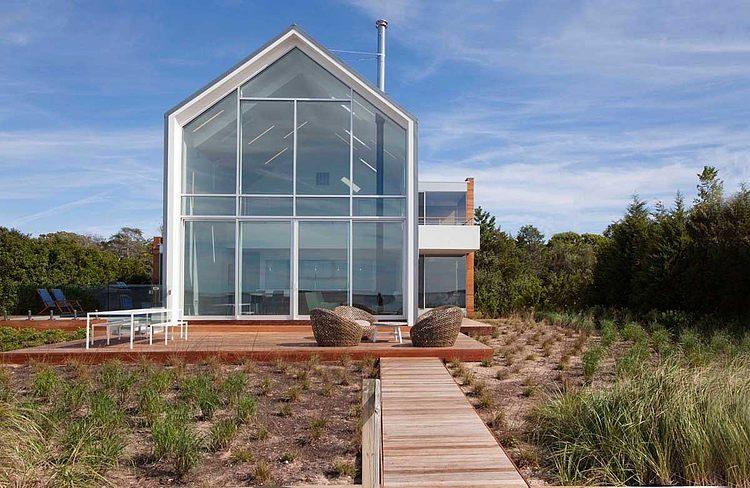 Vacation Home by Naiztat + Ham Architects