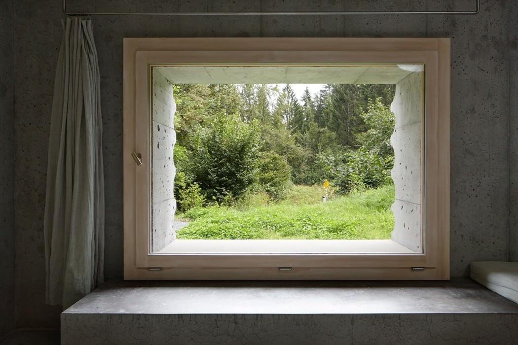refugi lieptgas by georg nickisch and selina walder homeadore. Black Bedroom Furniture Sets. Home Design Ideas