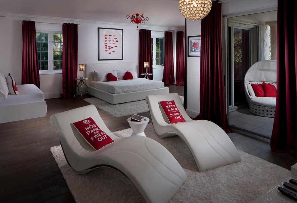 Miami beach apartment by pauline zurich homeadore for Decoration chambre des maitres