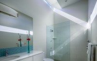 08_Bathroom_JPA_LightboxHouse