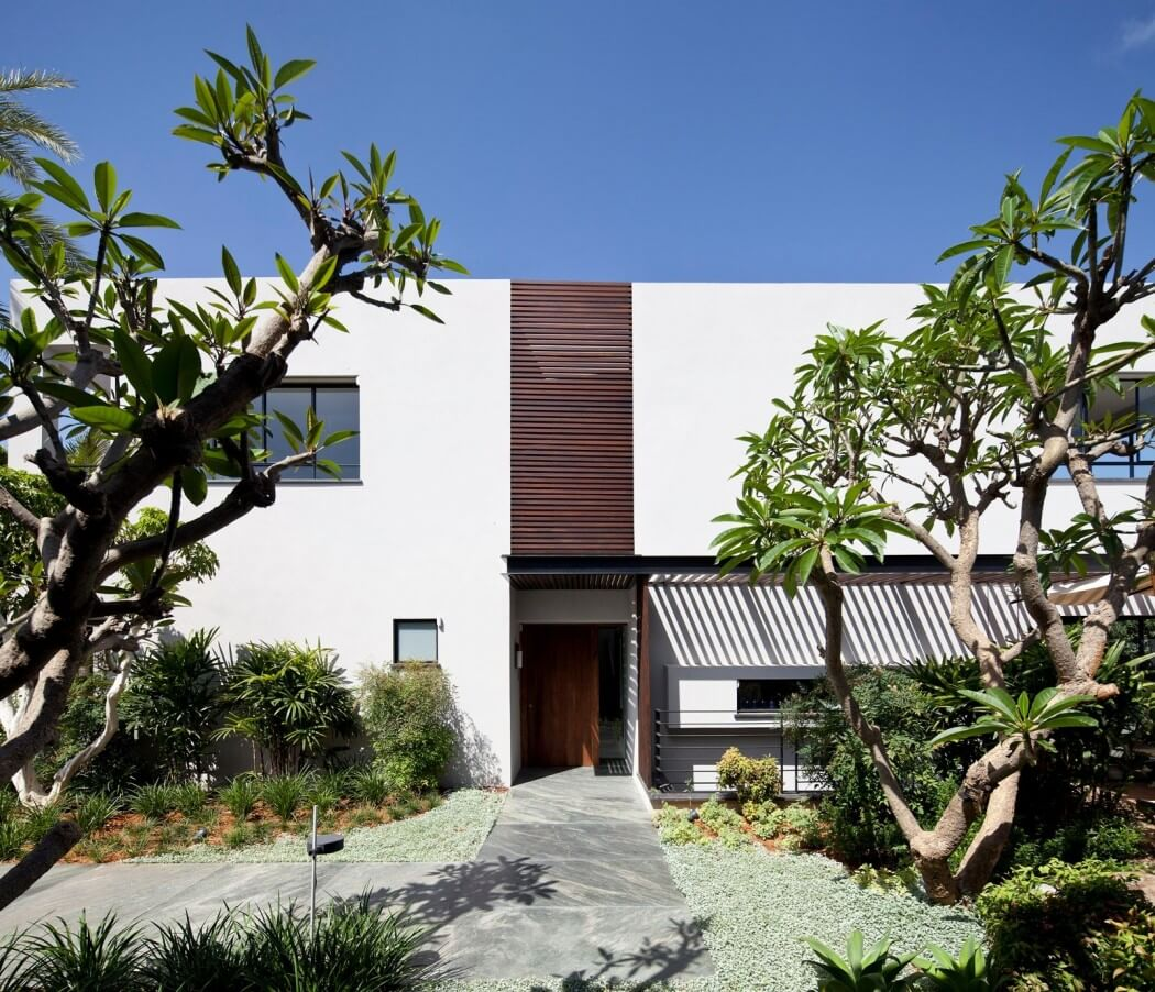 North Tel Aviv Home by Studio Nurit Leshem